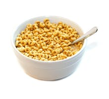 Cheerios in a bowl as the basis for the best breakfast to lower cholesterol