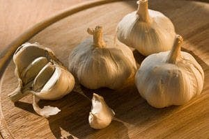 Onion Garlic Remedies For Colds Flu The People S Pharmacy