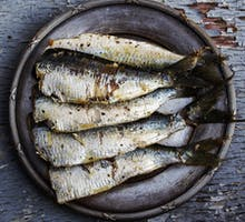 a plate of sardines rich in vitamin D help prevent cancer